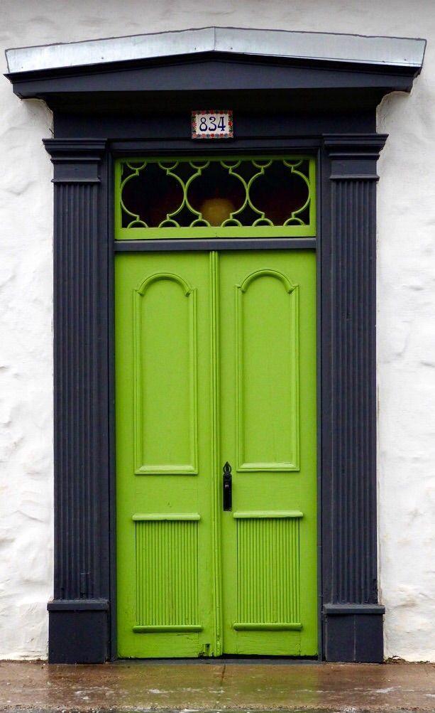Decoraci n puertas de dise o versus puertas antiguas for Puertas viejas